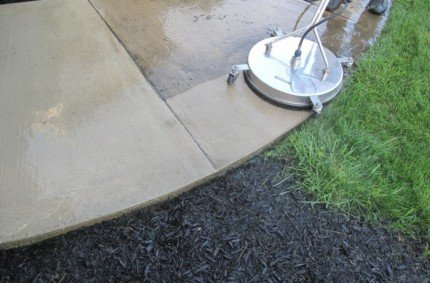 Driveway & Sidewalk Pressure Washing