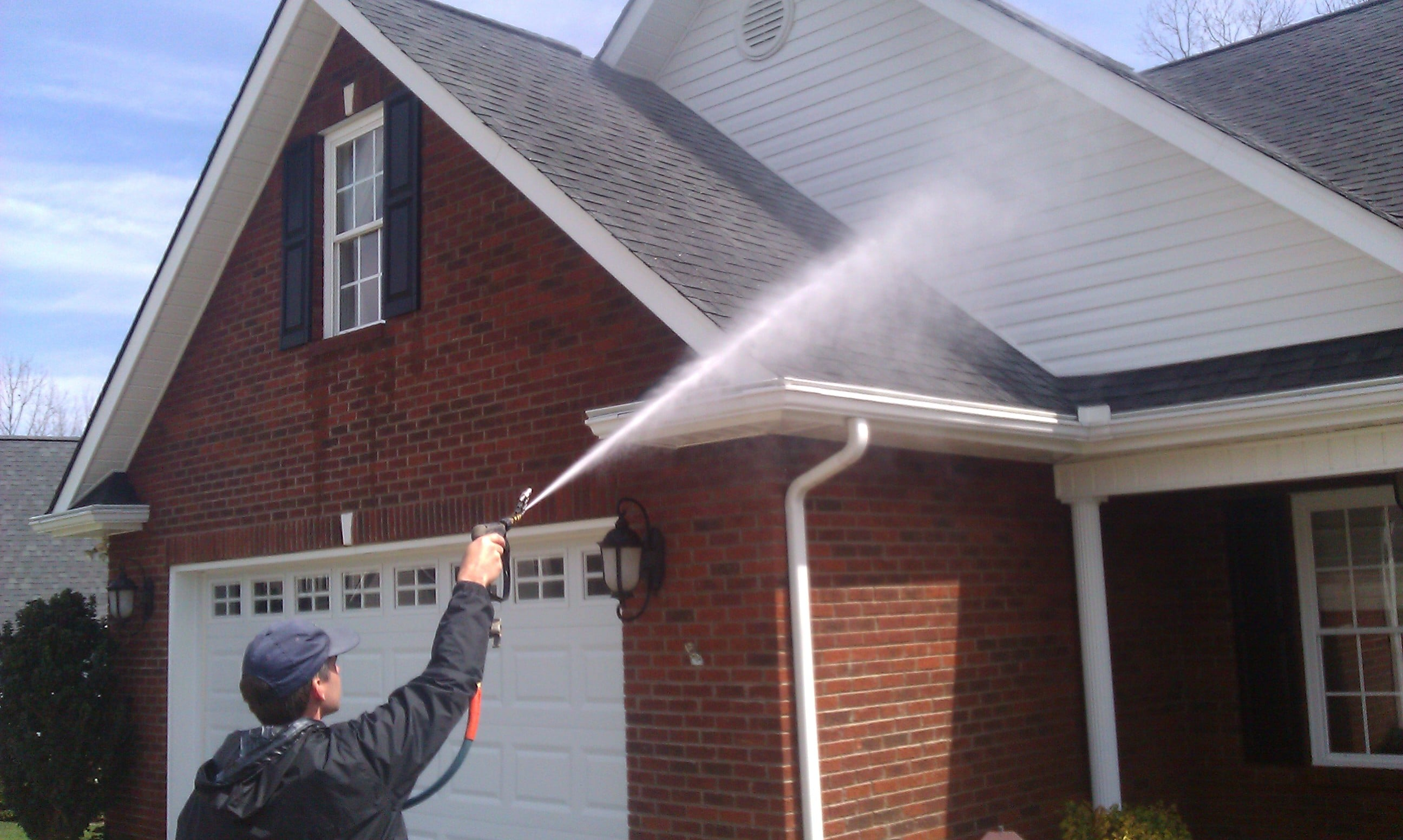 House Wash and Pressure Wash